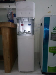 Máy lọc nước uống nóng lạnh ro Nano