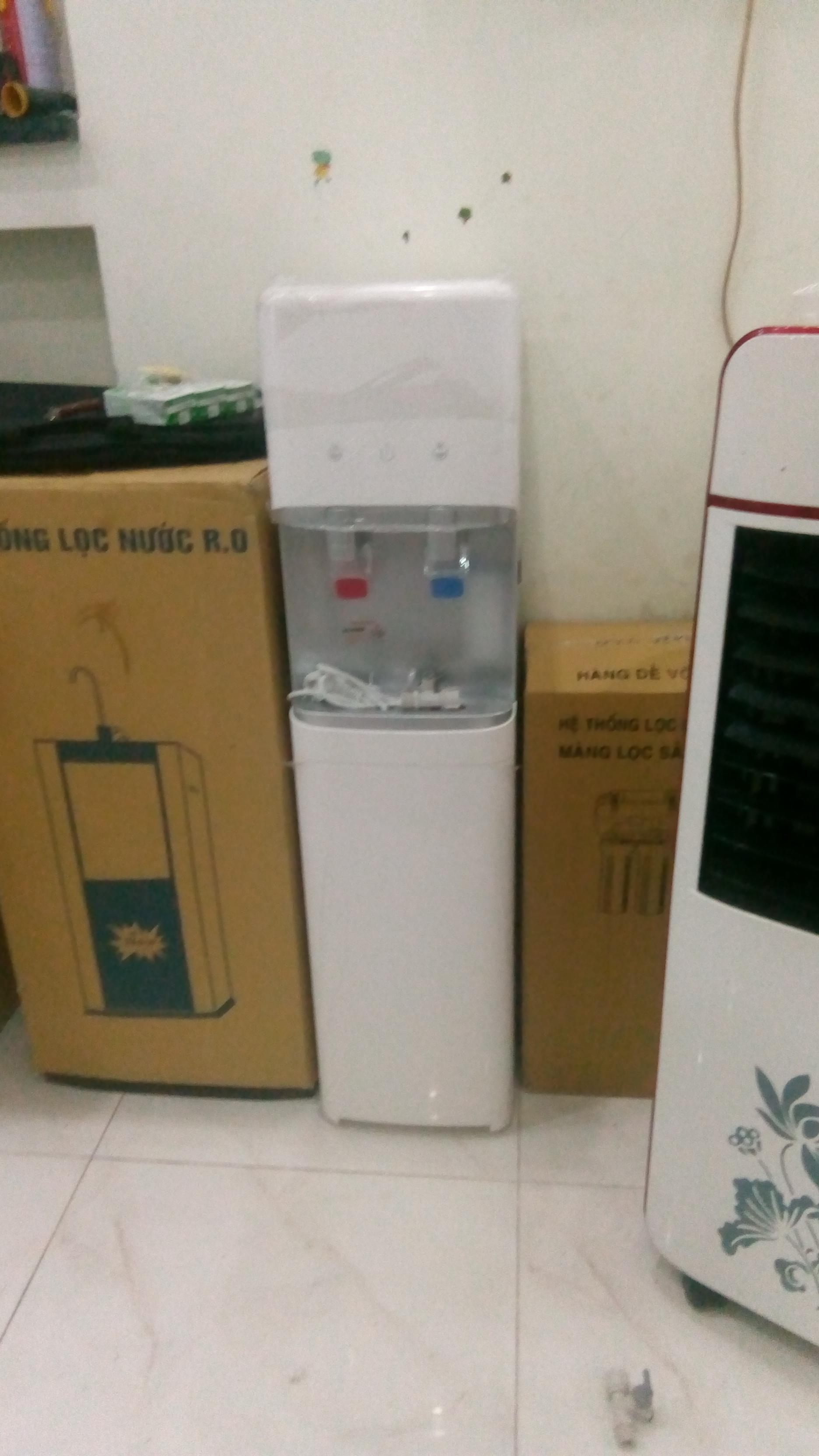 Máy làm nóng lạnh nước uống có Bình chứa nước nóng Dùng tích 1,8L, bình Inox 304